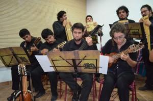 La orquesta está formada por mas de 20  integrantes