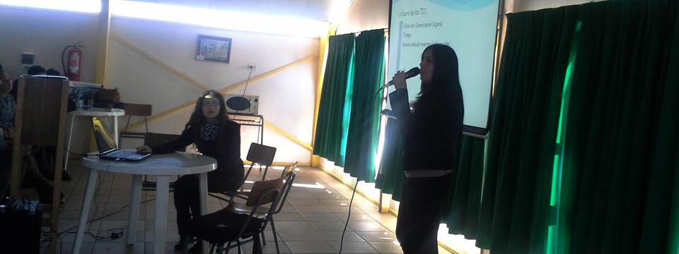 Representantes de Educación Tecnológica exponen en colegio de Playa Ancha