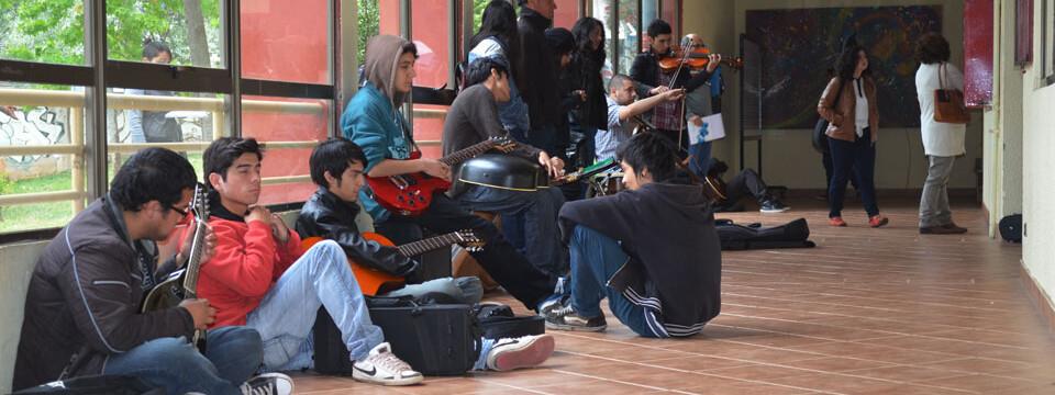 Jóvenes rinden prueba especial para estudiar Música en la UPLA