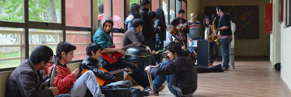 Jóvenes audicionan para ingresar a carrera de Música en la UPLA