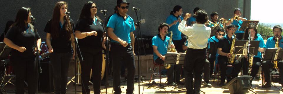 """""""Big Band UPLA"""" lleva su espectáculo musical hasta Rodelillo"""