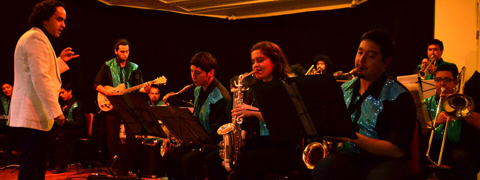 Big Band UPLA se presentó en colegio de La Calera