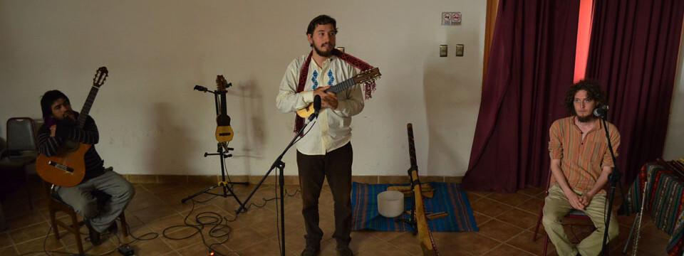 Charanguista porteño presenta disco debut en la Facultad de Arte UPLA