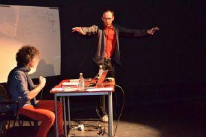 """Conferencia """"El teatro cruel de la autoinmolación"""""""