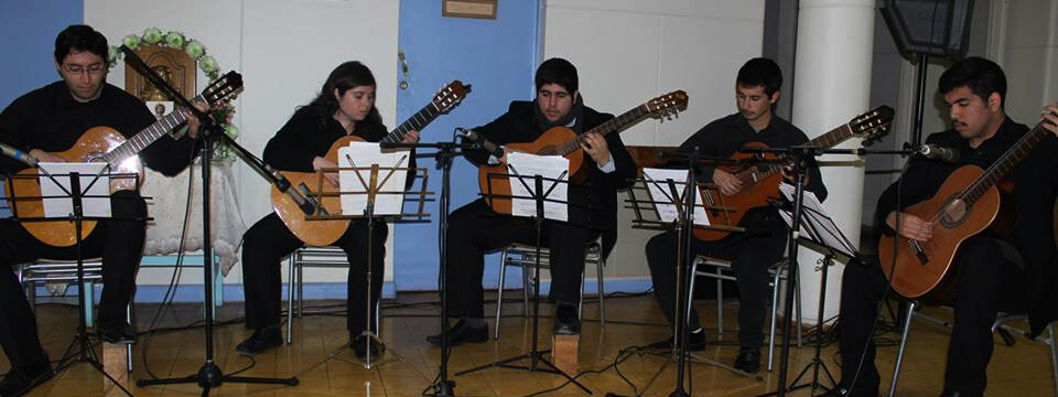 Conjunto de Guitarras lleva su música a pacientes del Hospital de La Calera