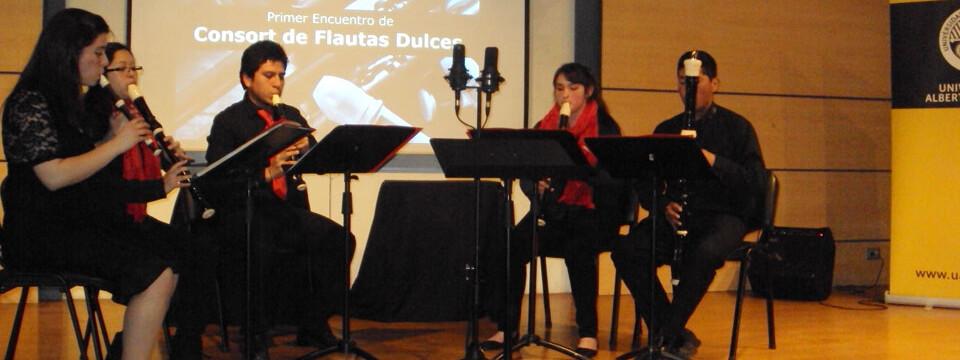 Estudiantes de Música se presentaron en Encuentro de Flautas Dulces en Santiago