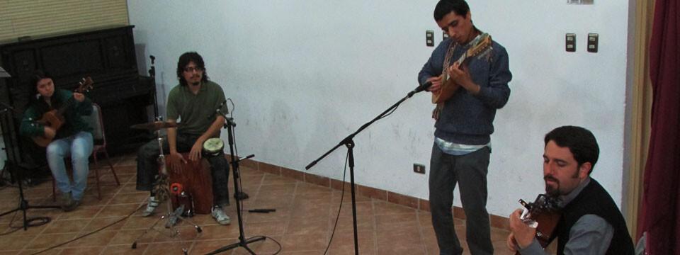 Dúo Chatarra se presentó en Temporada de Conciertos UPLA