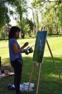 Gabriela Flores en parque del Museo Nacional