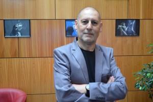 Giulio Ferretto Salinas, director del Departamento de Artes Escénicas.
