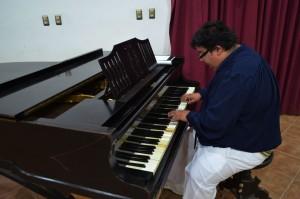 El músico actualmente es el encargado oficial de las partituras del grupo Los Jaivas