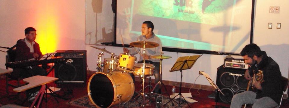 """Innovadora banda """"Latitud Sur Trío de Jazz"""" se presentó en Temporada de Conciertos"""