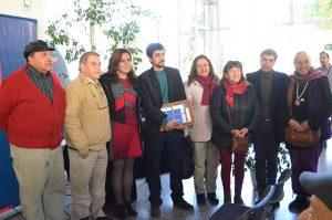 Leandro Silva junto a representantes de agrupaciones de DD.HH