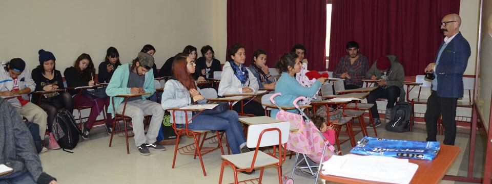 Facultad de Arte UPLA recibe a más de 180 nuevos alumnos