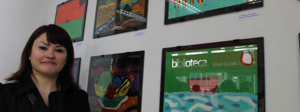 Escolares exponen pinturas en la biblioteca de la UPLA