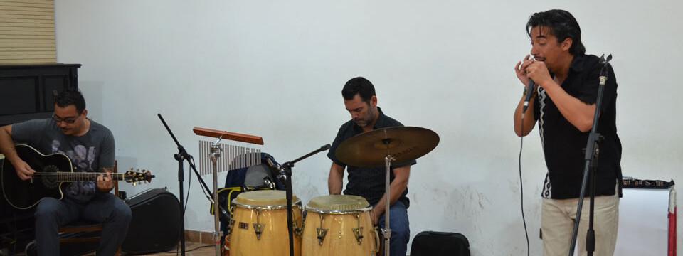 Mewlen dio concierto de música fusión en la Facultad de Arte