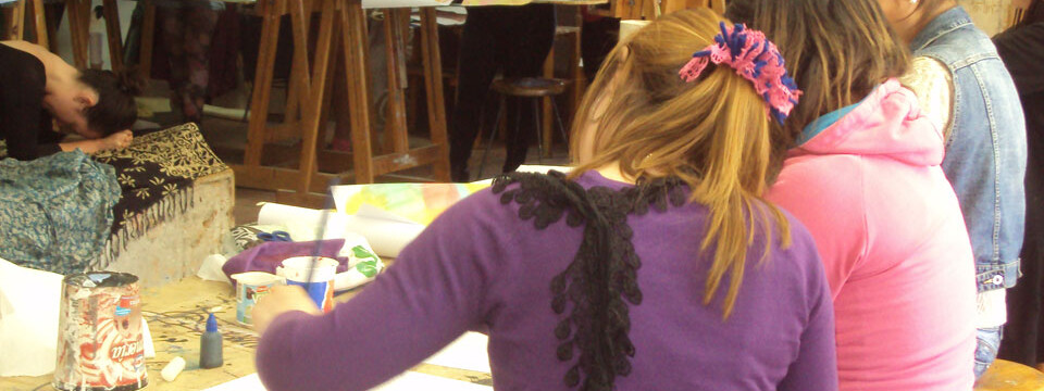 Niñas del SENAME participan en taller de Dibujo Artístico en Facultad de Arte
