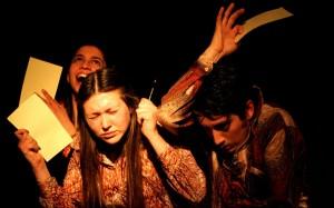 El montaje fue la ganador del III Festival de Teatro en pequeño formatio Humberto Duvauchelle