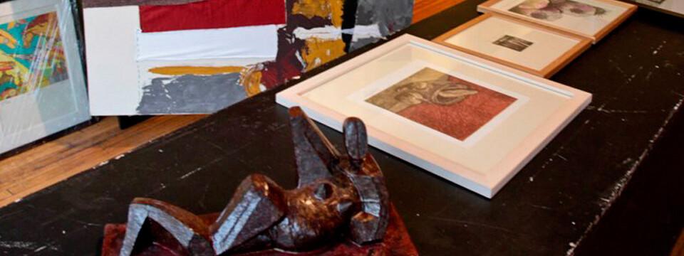 Artistas visuales de la UPLA donan obras para exposición solidaria en Valparaíso