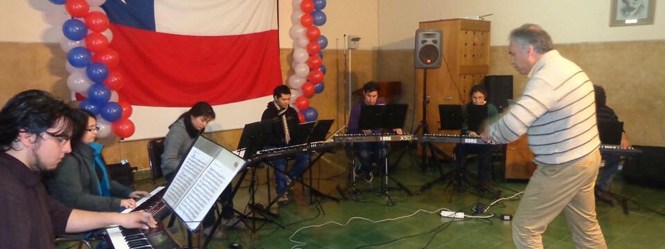 """Grupo musical """"Opus Musicum"""" de la UPLA se presentó en Hospital Geriátrico de Limache"""
