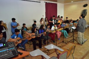 Orquesta Latinoamericana del colegio Angol