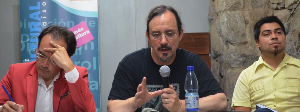 Con conversatorio culmina exposición de Jorge Martínez en Valparaíso