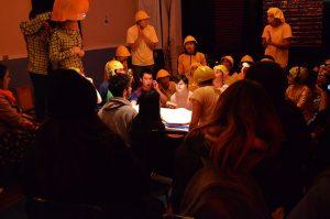 Esta experiencia artística se caracteriza por fusionar el teatro con la psiquiatría