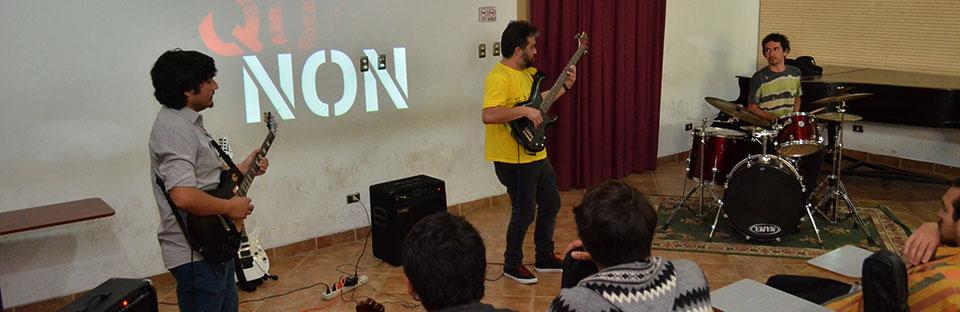 Banda de rock progresivo se presentó en Temporada de Conciertos UPLA