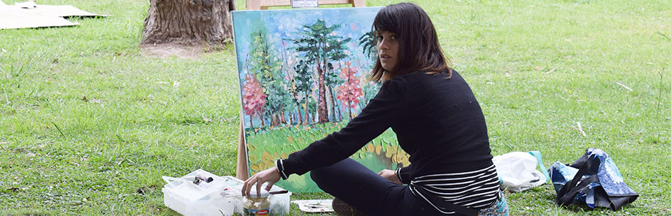 Gabriela Flores logra segundo lugar en encuentro de pintura en Argentina