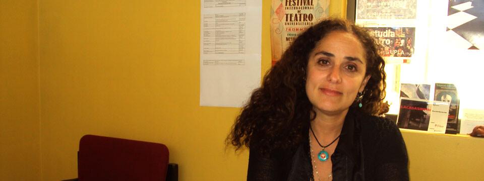 Dra. Verónica Sentis inició en Montreal investigación sobre teatro chileno en el exilio