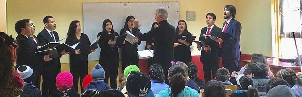 Conjunto de Madrigalistas UPLA ofreció concierto en escuela rural de Colliguay