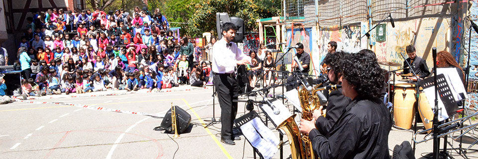 Colegio Winterhill acogió concierto de semillero Big Band UPLA