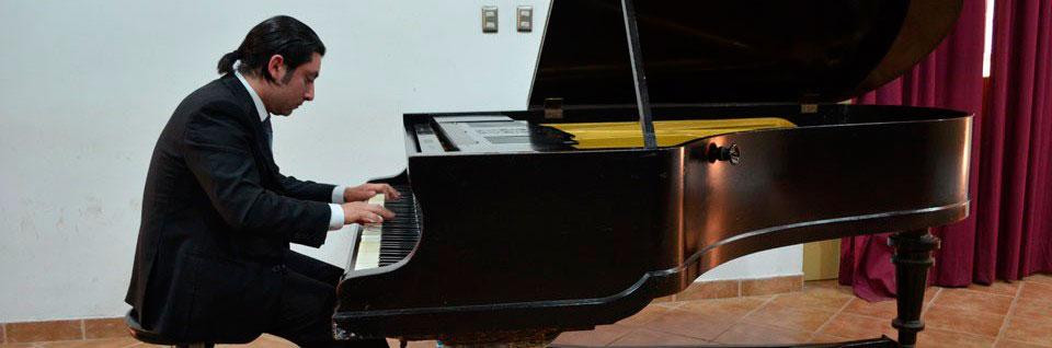 Pianista Nicolás Galaz se presentará en el Palacio Rioja de Viña del Mar