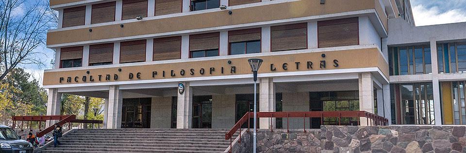 Académica UPLA expuso en congreso internacional realizado en Argentina