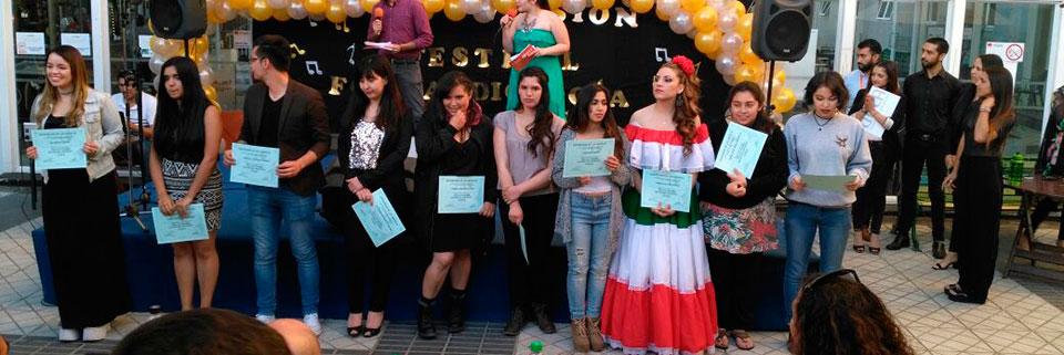 "Estudiantes de Música UPLA ganan ""Festival del Cantar"" UDLA"