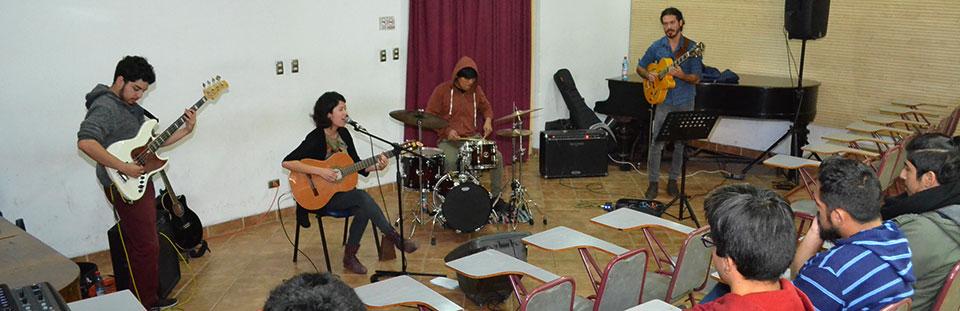 Paz Miranda dio inicio a Temporada de Conciertos en la Facultad de Arte