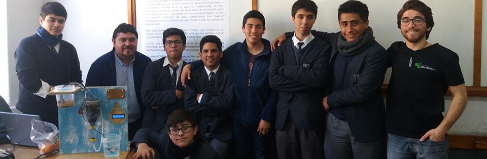 Taller de Robótica guiado por docente UPLA se adjudicó competencia en la USM