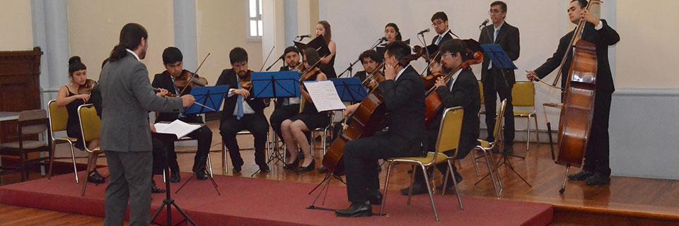 Orquesta de Cámara UPLA brindó Concierto de Navidad en edificio Independencia