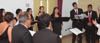 Madrigalistas brindaron concierto homenaje a desaparecido director Víctor Alarcón