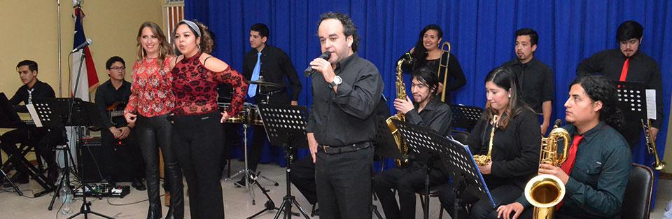 Big Band UPLA llevó su espectáculo musical al Liceo Bicentenario Valparaíso