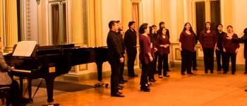 Con nuevos integrantes Coro de Cámara UPLA dio concierto en Palacio Rioja