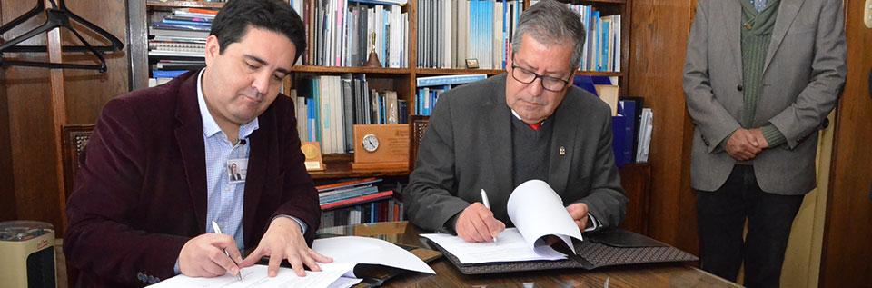 UPLA y Hospital Del Salvador firman convenio de colaboración