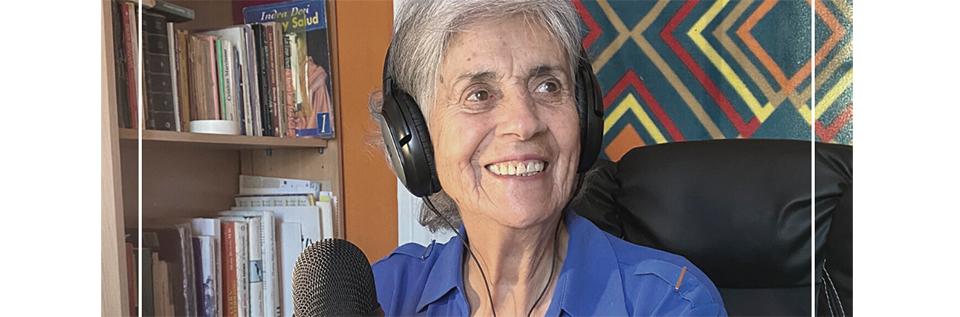 Adultos mayores dan vida a proyecto de radioteatro de la Universidad de Playa Ancha