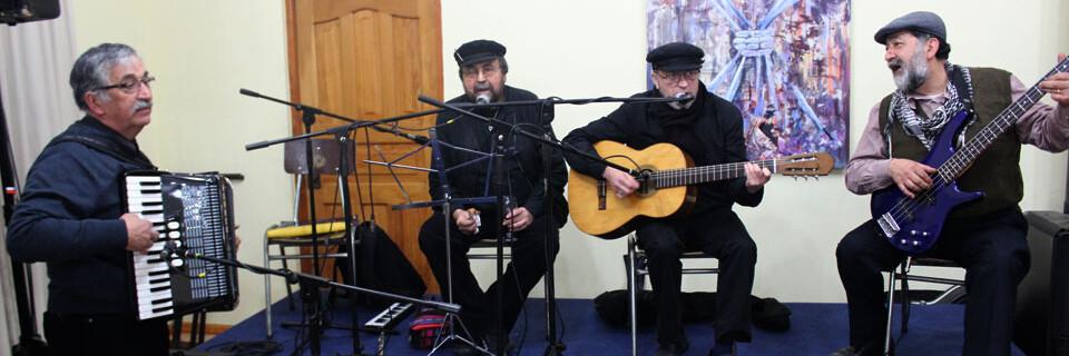 Docente Julio Rojas presentó muestra musical en la ciudad de Carahue