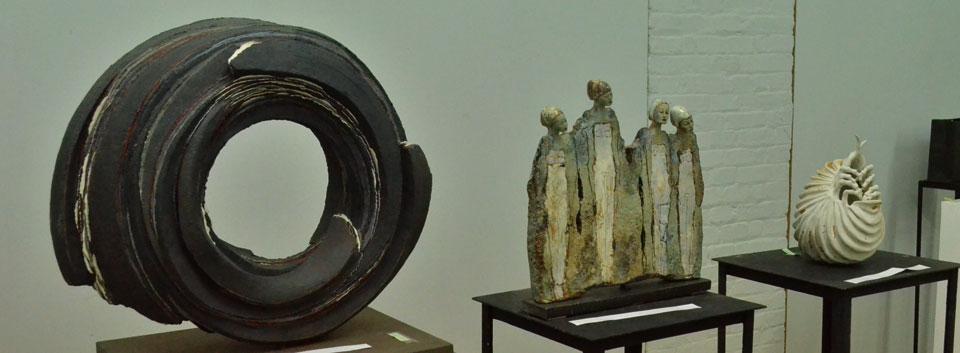 Seleccionan y premian obras que darán vida a la X Bienal de Cerámica UPLA