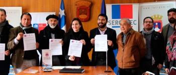 UPLA firma convenio para fortalecer la industria textil de Valle Hermoso