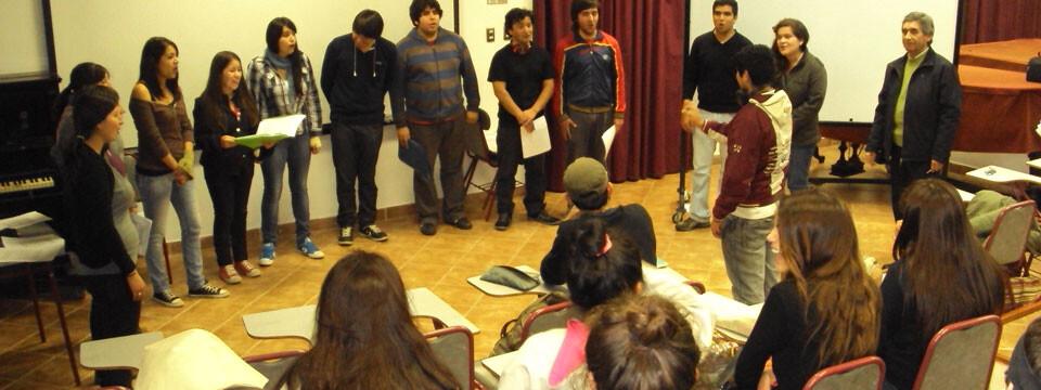 Estudiantes de Quillota visitan dependencias de la Facultad de Arte