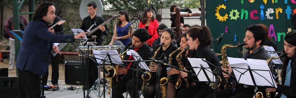 Big Band UPLA presentó espectáculo musical en La Calera