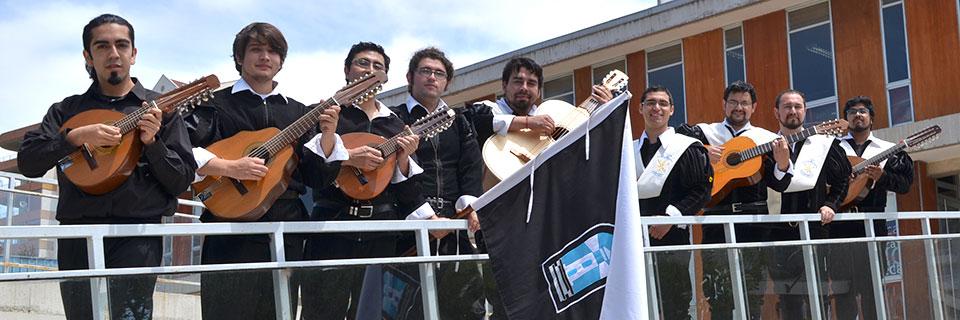 Tuna de la Facultad de Arte inicia ciclo de presentaciones de los elencos artísticos UPLA