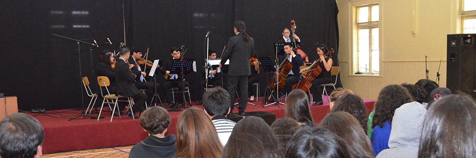 Colegio Mar Abierto vibró con concierto de la Orquesta de Cámara UPLA
