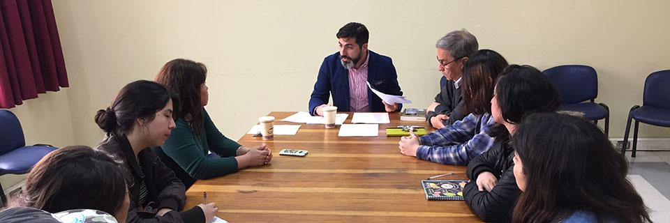 Investigador Felipe López sostuvo conversatorio con estudiantes de Diseño UPLA